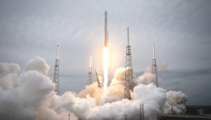 rocket-launch-693206_1920_meitu_7